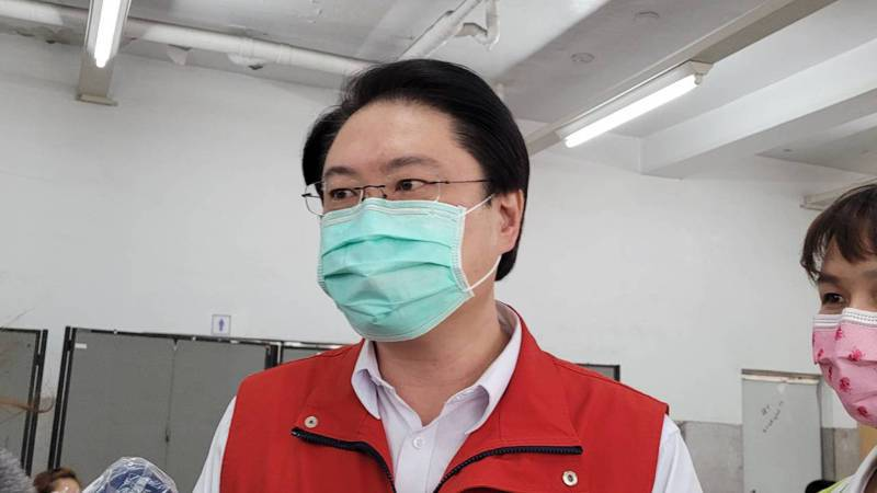 中央公布批發市場防疫指引2罩1套,林右昌:基隆的光榮。記者游明煌/攝影