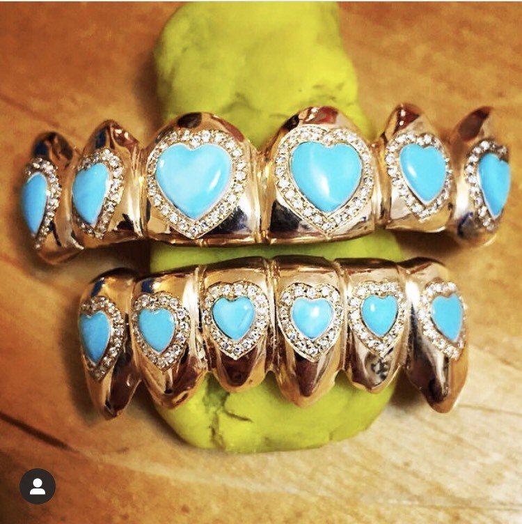 紐約的Gabby Elan Jewelry以訂製牙齒珠寶聞名。圖/取自IG @g...