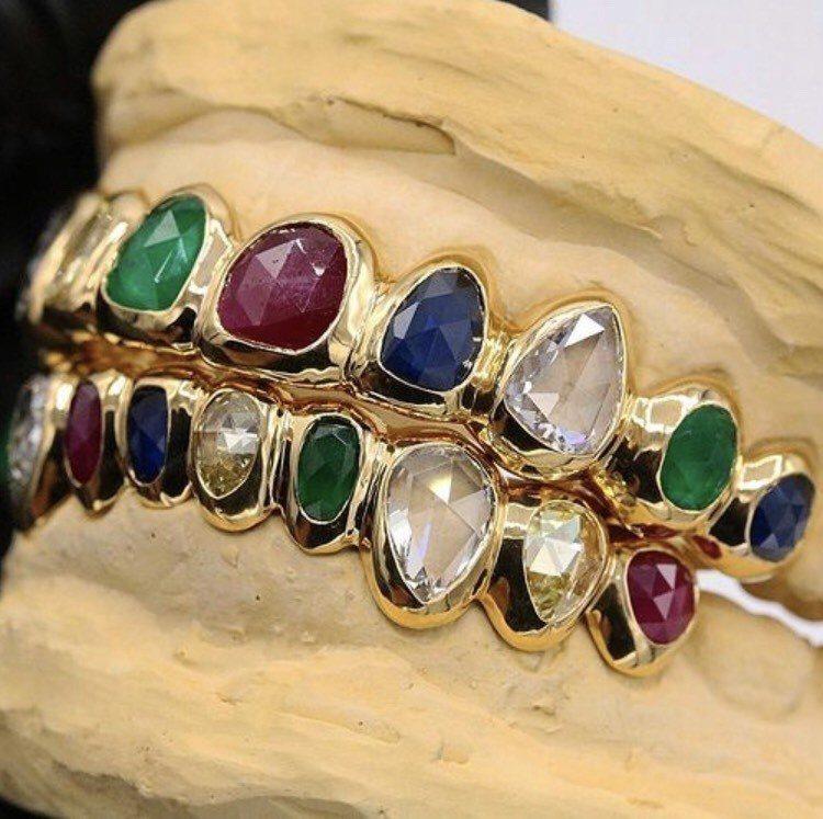 Gabby Elan Jewelry為菲董訂製的珠寶,以22k金鑲嵌玫瑰切割VS...
