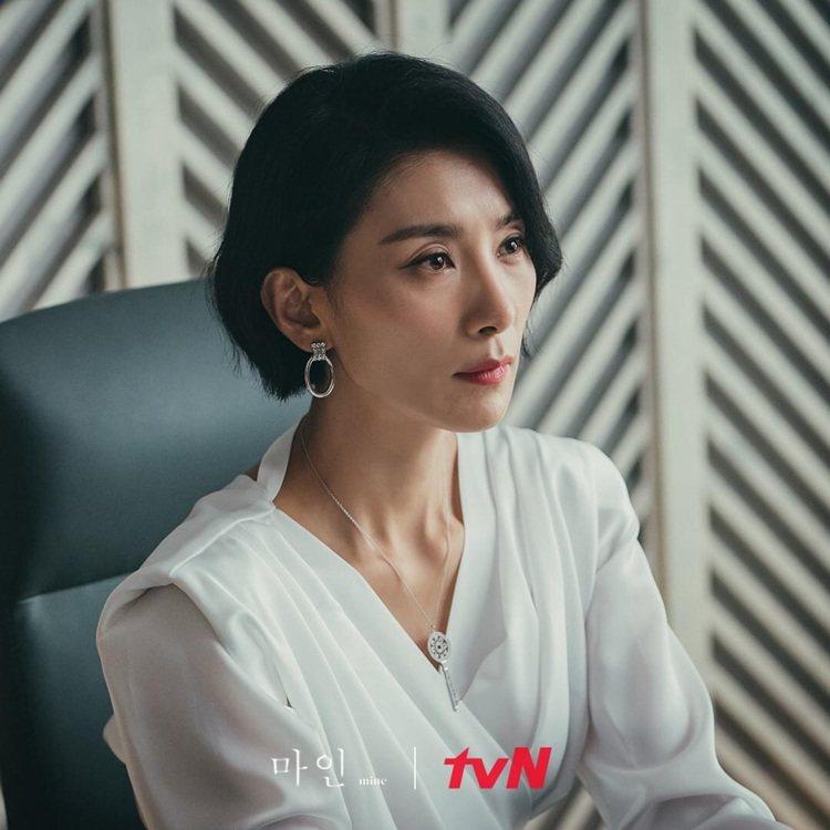 金瑞亨多次選穿韓國品牌DINT服裝。圖/取自tvN Drama臉書專頁