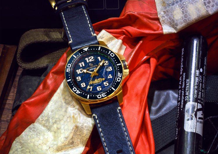 海軍艦隊2.0-九二海戰紀念表使用PVD金色表殼、自動上鍊機芯,表款並具備200...