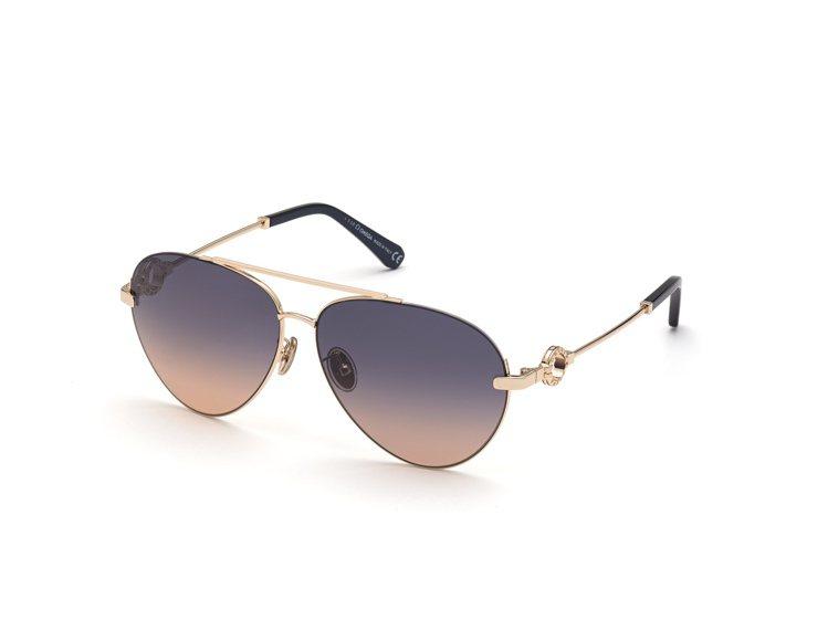 金色框架、黑色鏡臂套的雙鼻樑架(double-bridge)飛行員太陽眼鏡,從上...