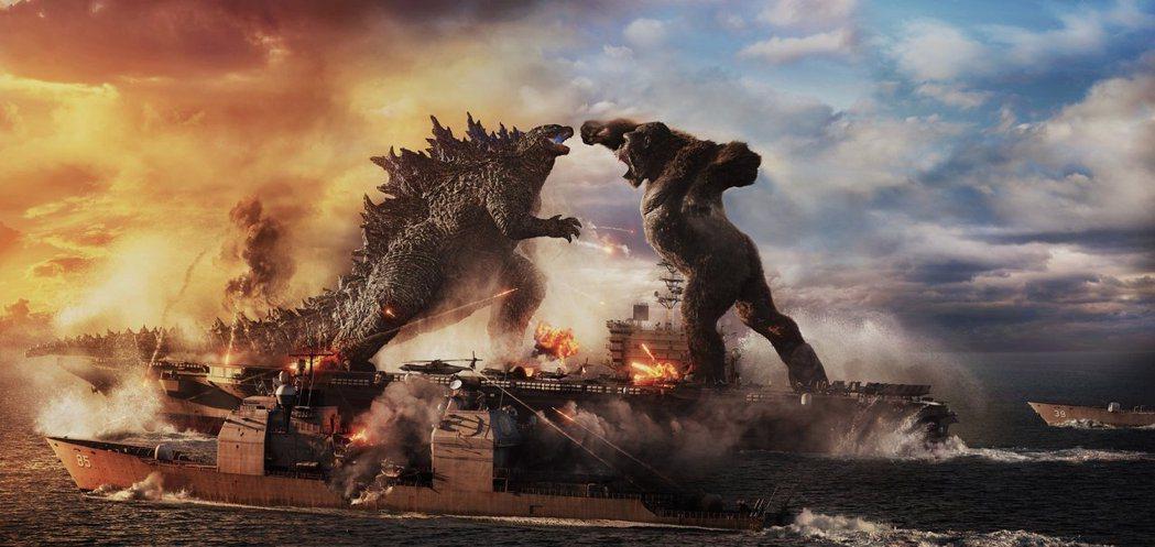 「哥吉拉大戰金剛」讓影史最知名的兩大怪獸對打,全球票房亮眼。圖/華納兄弟提供