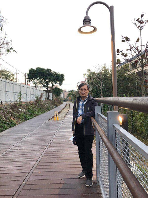 蔡永文認為健康第一,退休後每天快步行走至少8000步。 圖/蔡永文提供