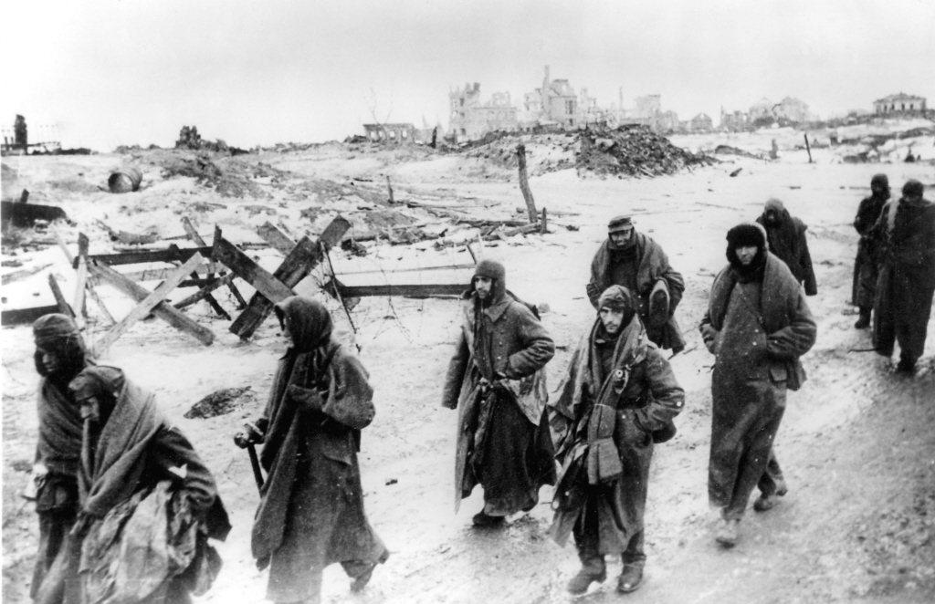 被俘虜的德軍士兵。 圖/美聯社