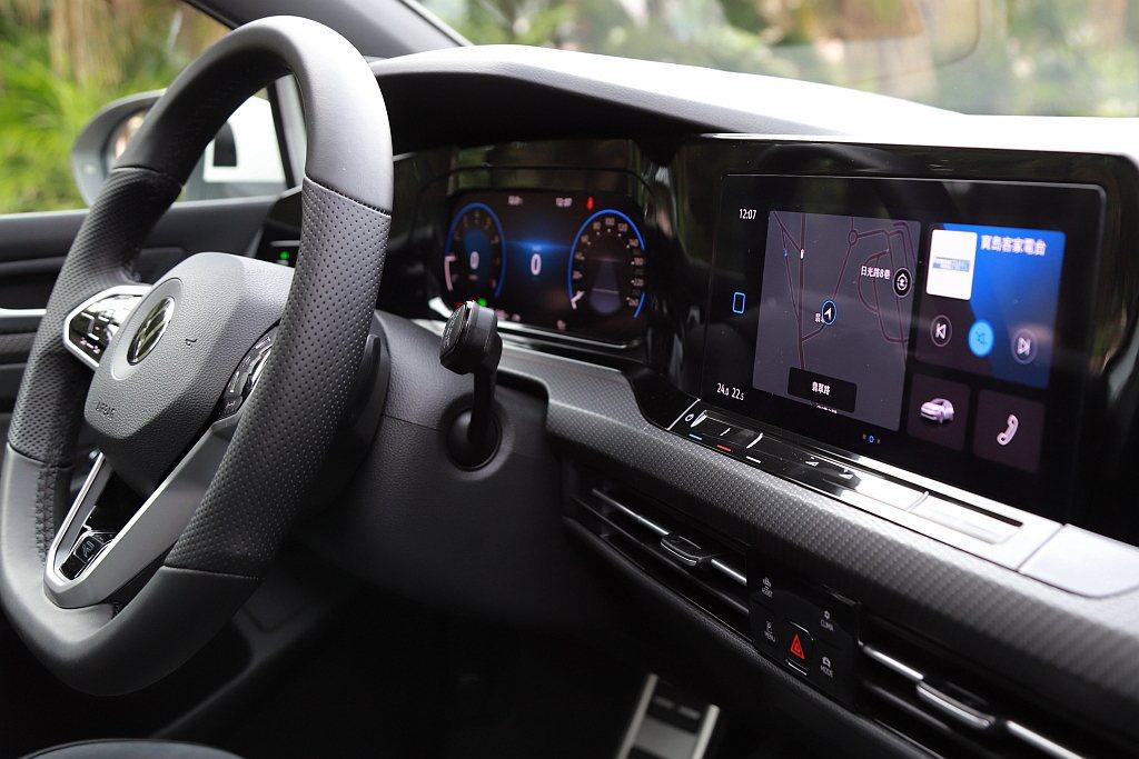 數位觸控式雖然很新穎,但當天氣溫度較高時,這些數位按鍵因為背光顯示與材質應用的緣...