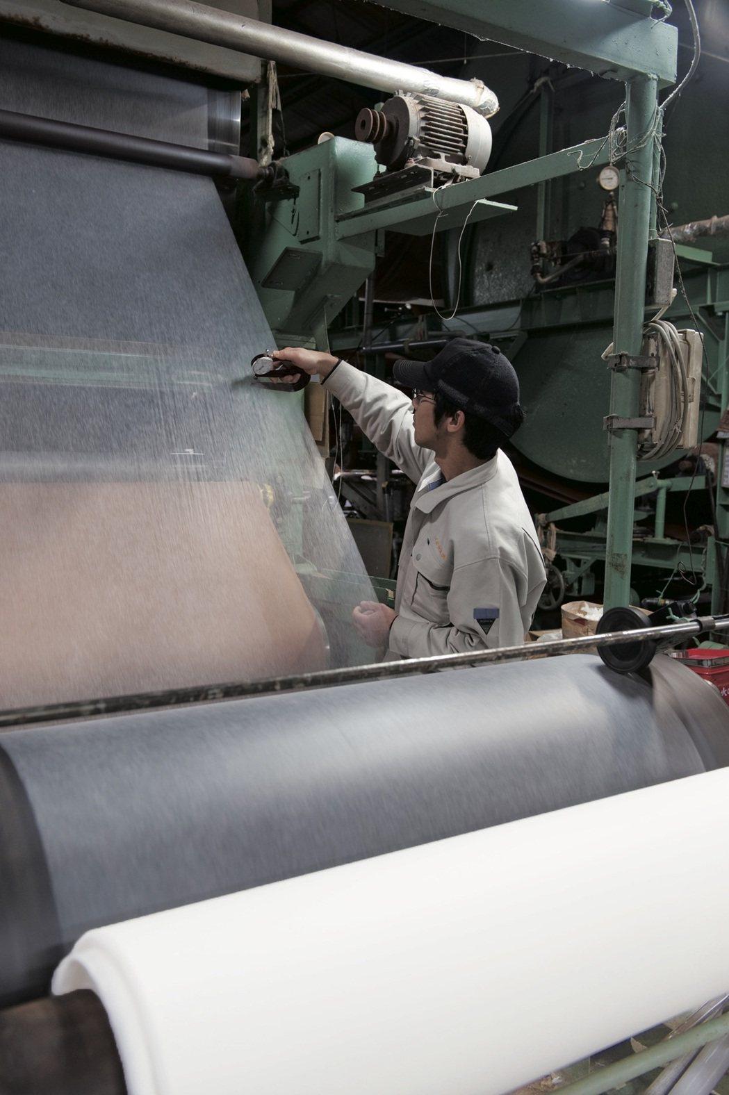 典具帖紙是在土佐製造的、世界上最薄的和紙。 圖/行人出版社提供