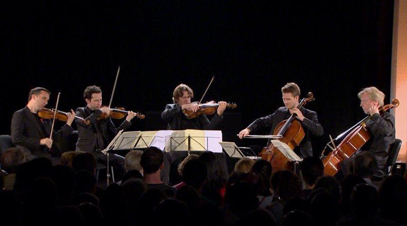 海默森與艾班演出弦樂四重奏。圖/梅迪奇藝術頻道提供