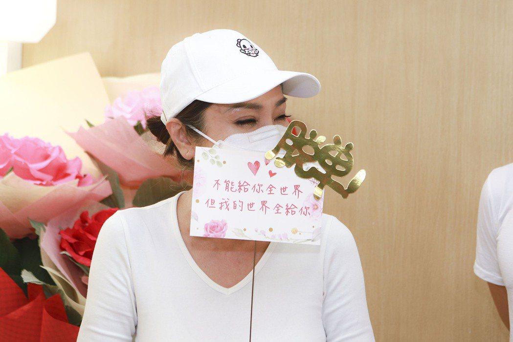 陳美鳳笑說生日願望是早日脫單。圖/民視提供