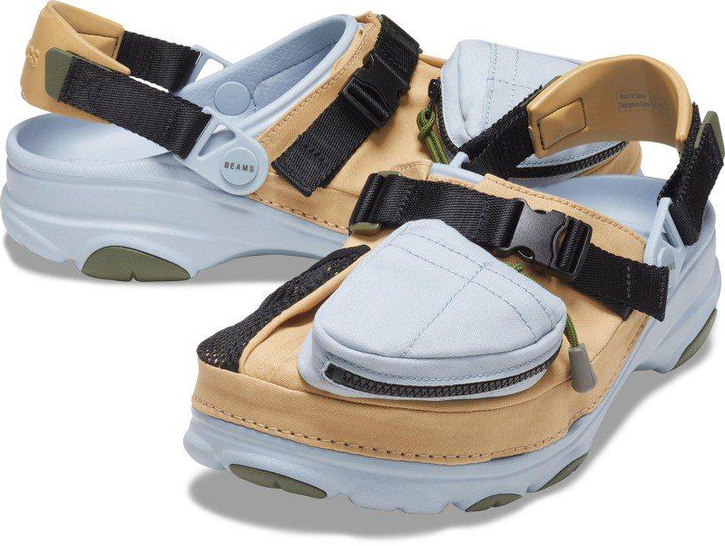 Crocs x BEAMS聯名Crocs Classic All- Terrain Outdoor Clog鞋2,860元。圖/Crocs提供