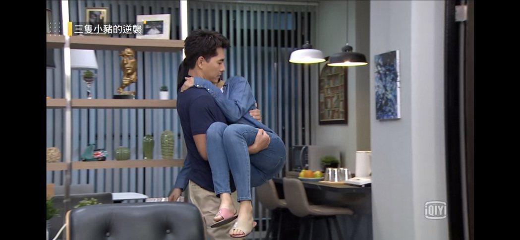 為了讓腰受傷的王傳一(左)可以公主抱賴雅妍,賴雅妍不吃晚餐瘦下5公斤。圖/三立提...