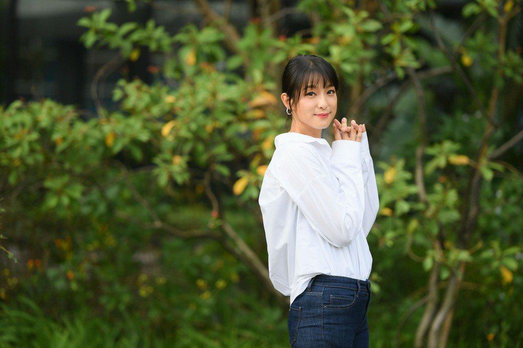 賴雅妍爸爸過去開中藥房她都隨身攜帶中藥在身。圖/三立提供