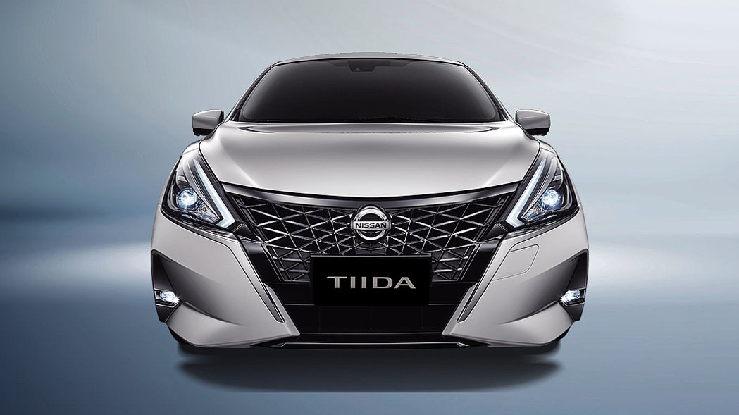 Nissan Tiida J的外觀變得更有侵略性。 圖/裕隆日產提供