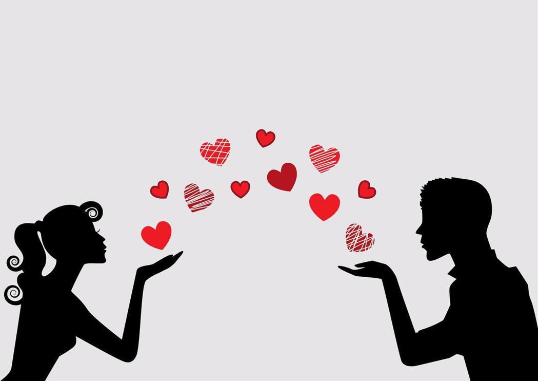 7月4星座愛情運超旺。 圖/擷自塔羅牌老師艾菲爾臉書