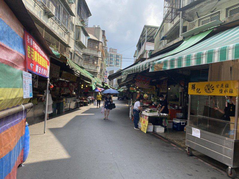 今天永春市場虎林街上幾乎沒有顧客上門。 圖/永春市場提供