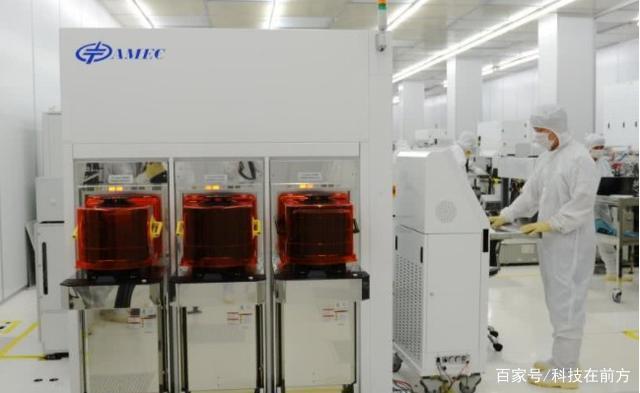 中微研發的刻蝕機設備。圖源:自媒體科技在前方