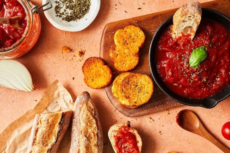 這款帶有西西里風味的麵包餅乾,顛覆消費者對番茄味的印象。圖/CW提供