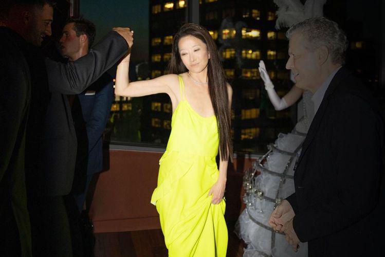 剛過72歲生日的Vera Wang維持著螞蟻纖腰、鉛筆細腿,絲毫看不出歲月在她身...