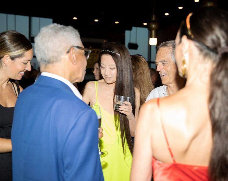 Vera Wang長年活躍於紐約社交圈,因此在她的生日派對裡,聚集了不少上流人士...