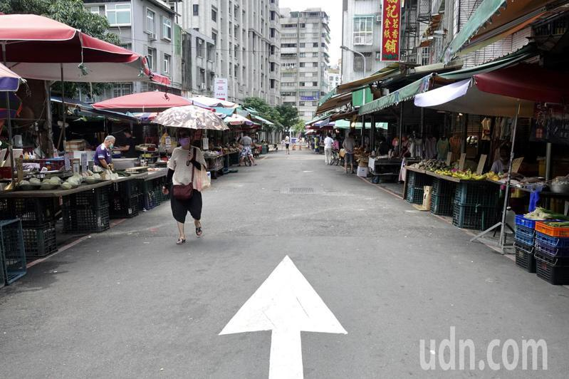 台北市環南市場爆出41例陽性個案。 記者林俊良/攝影