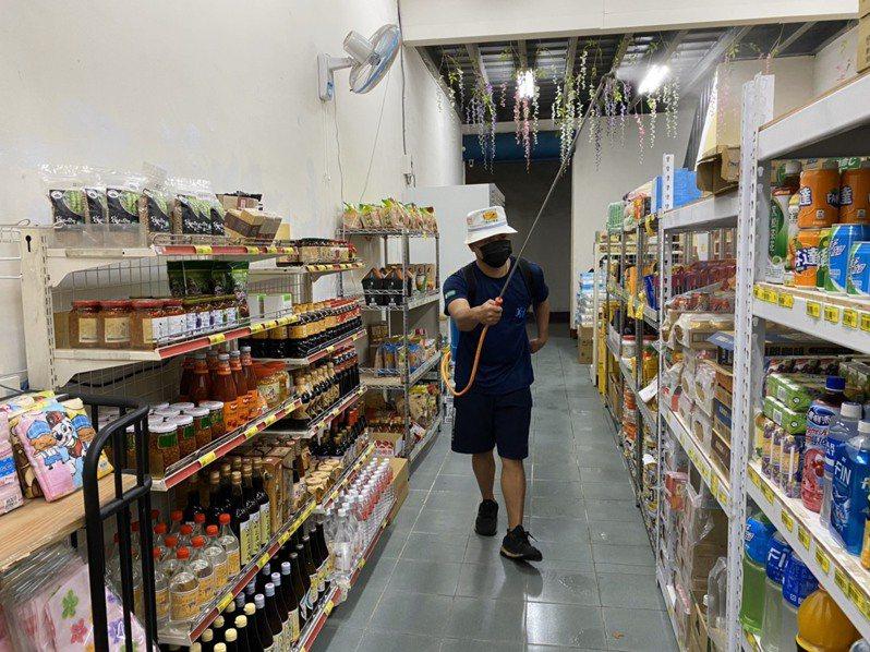 高雄市美濃農會超市傳有確診者足跡,昨已清消完成。圖/美濃農會提供