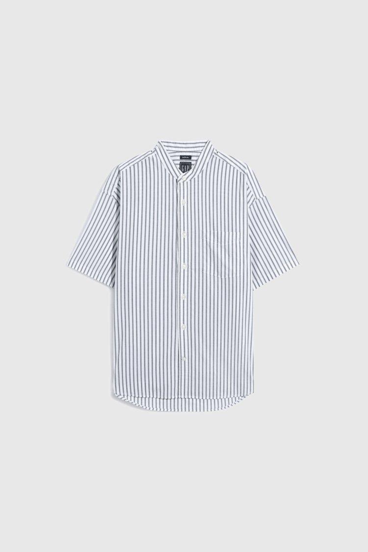 Gap府綢布條紋圓領襯衫1,299元。圖/Gap提供
