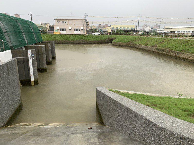大灣抽水站滯洪池。圖/水利局提供