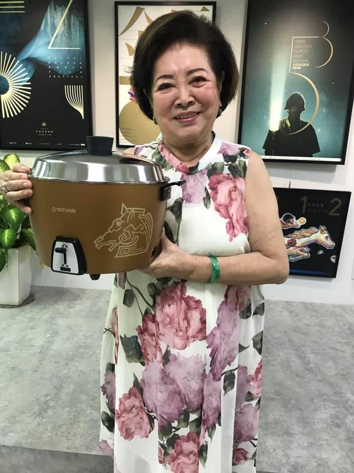陳淑芳日前過82歲生日,生日願望是期許疫情早日結束。圖/摘自臉書