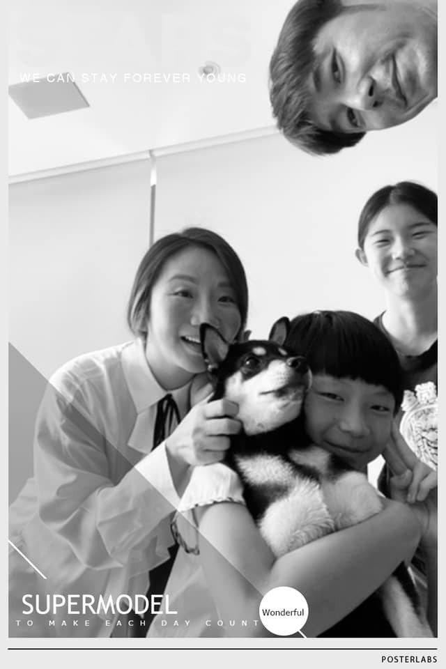 李李仁的女兒最近愛上攝影,全家都是模特兒。圖/摘自臉書