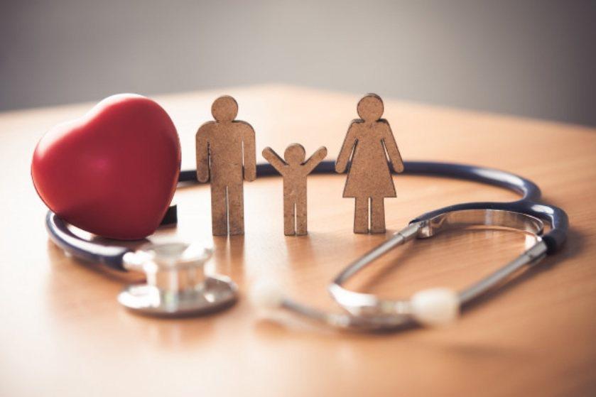 就醫療層面來說,實支實付型住院醫療險,是熟齡族應投保的醫療保障 圖/freepi...