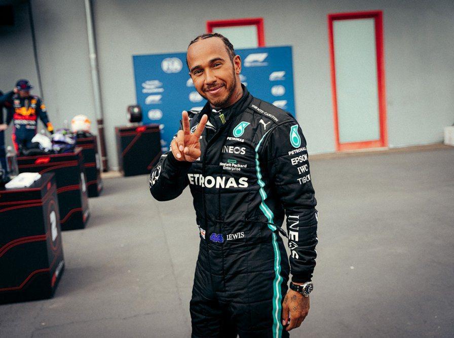 Hamilton表示:很難相信已經與這支不可思議的球隊一起工作了將近9年的時間,...