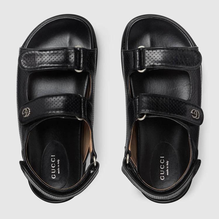 女士皮革涼鞋,35,800元。圖/摘自官網