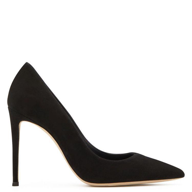 Giuseppe Zanotti的黑色Carolyne尖頭高跟鞋。圖/Giuse...