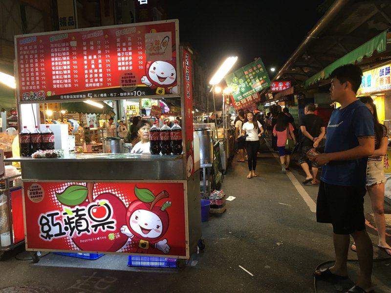 中央宣布夜市、市場微解封,但台東縣本月1日已准許夜市復業。示意圖。本報資料照片