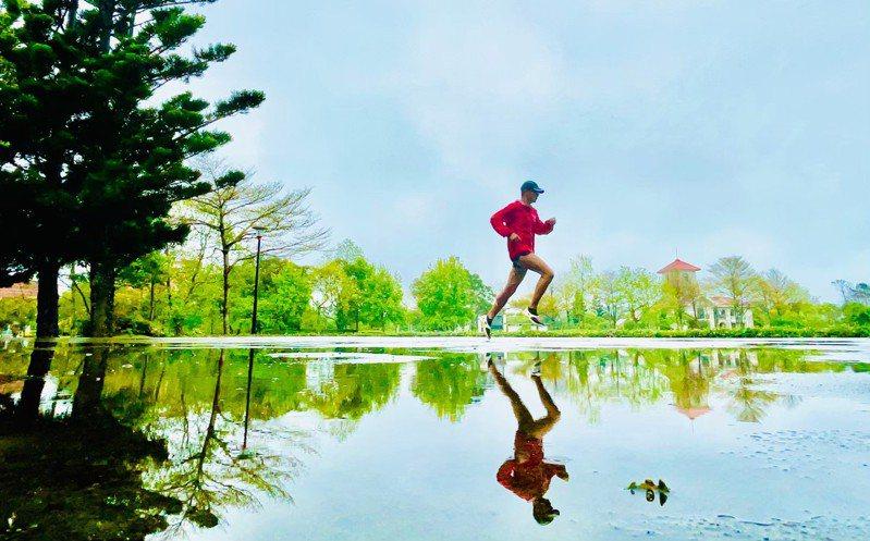 蔡國圳積極投入運動,昨天更創下連續跑步1778天紀錄,紀錄持續更新中⋯⋯。圖片由蔡國圳俊授權「有肌勵」刊登