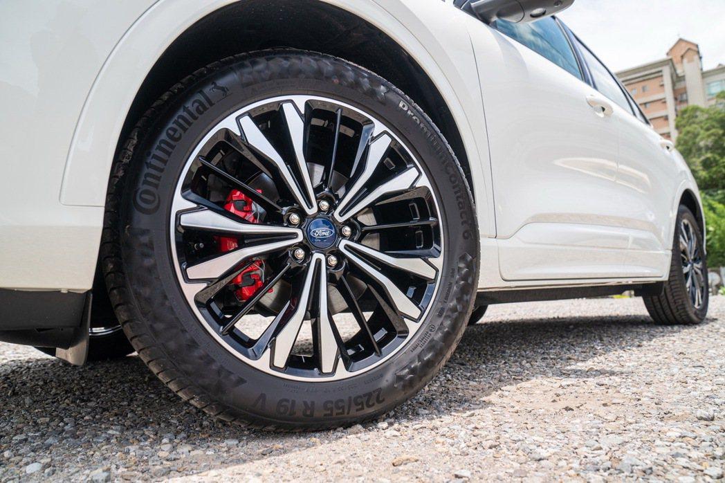 EcoBoost®250 AWD ST-Line X進化專屬紅色卡鉗及德國馬牌P...
