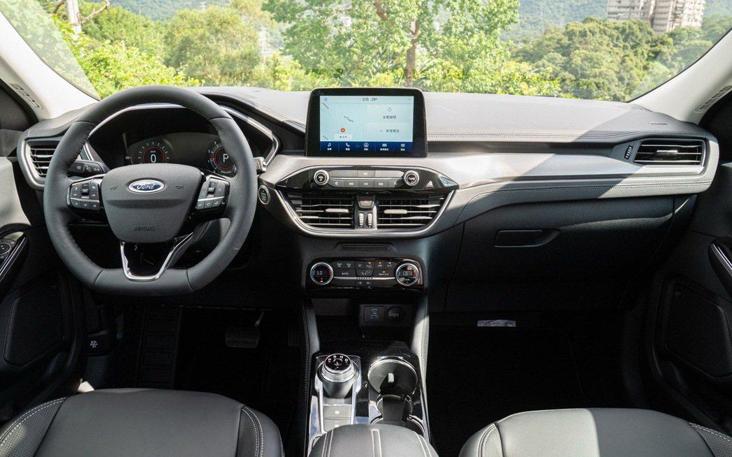 EcoBoost®180車系及EcoBoost®250 AWD旗艦X內裝設計布局...