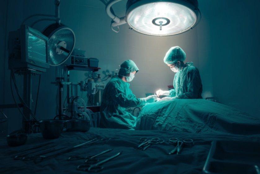 原來開刀不是想開就能開的,手術前必須仔細評估患者的心肺功能,確定病患足以承受手術...