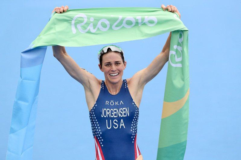 Gwen Jorgensen在 2016年里約奧運拿下鐵人三項冠軍,並在 2017年轉換跑道到長跑,宣布以長跑選手身份參賽東京奧運(圖片來源:AsiaTri)