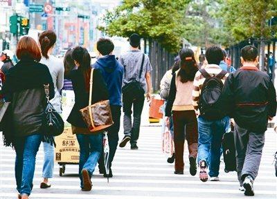 針對台灣勞工陣線質疑主計總處違法遲遲未公布5月失業率,主計總處官員表示,延後公布是因為受到本土新冠疫情升溫影響,臨時調整調查方式,早在5月中就公布將延後到7月6日發布,6月失業率的公布時間就會回到既定時程。 報系資料照片