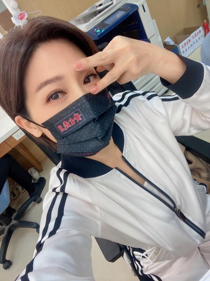 王彩樺被愛犬咬傷,自我反省應是自己忙於拍戲,缺乏陪伴所致。圖/民視提供