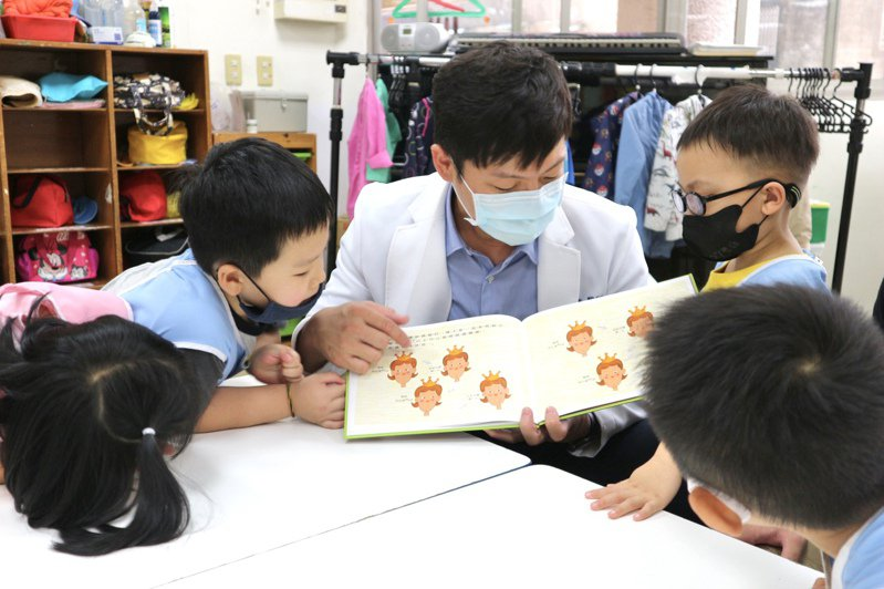 陳宥達指出,親子共讀能促進親子關係,也幫助孩童語言認知與大腦發展。圖/陳宥達提供