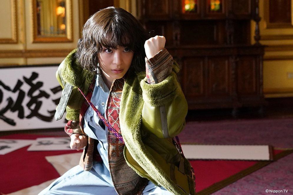 廣瀨鈴飾演天才型的助手。圖/WAKUWAKU JAPAN 提供