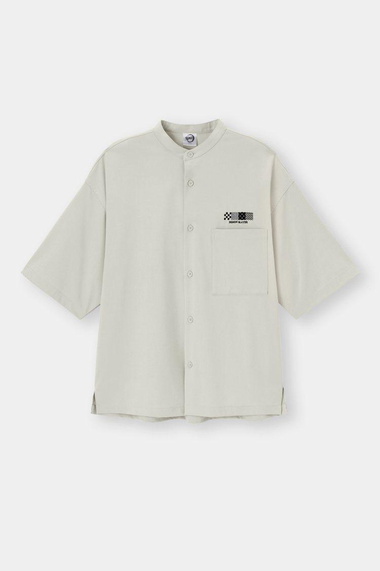 GU鬼滅之刃系列男裝襯衫890元。圖/GU提供