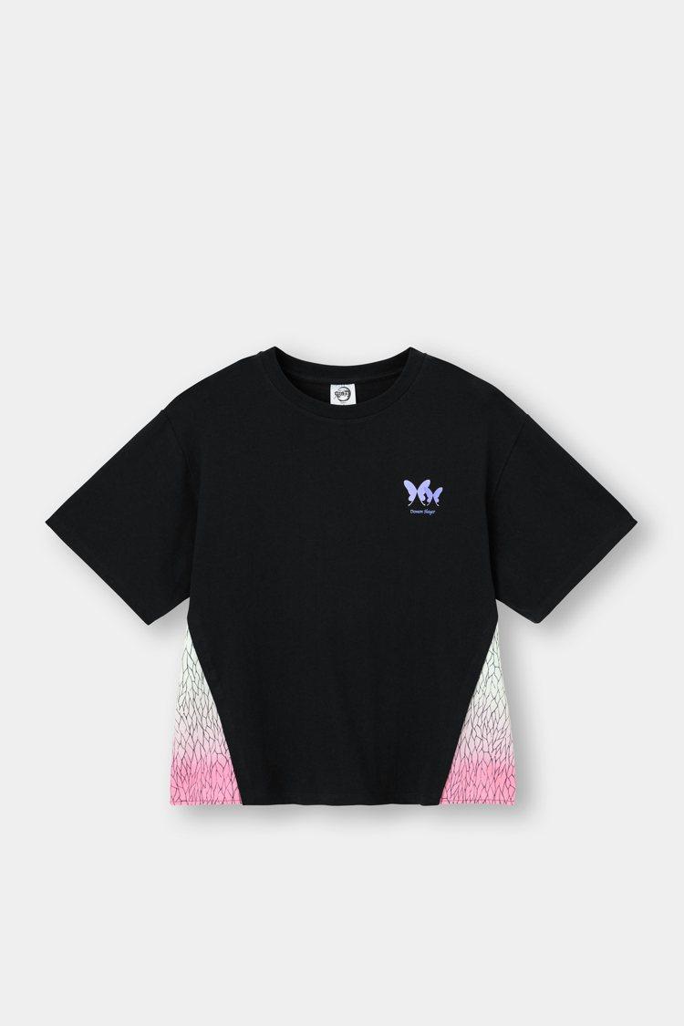 GU鬼滅之刃系列女裝T恤590元。圖/GU提供