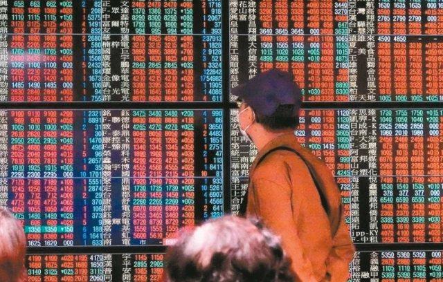 台股今(7)日開低走低,航運股跌勢重,終場收跌5.95%,跌幅居各類股之冠。 本報系資料庫
