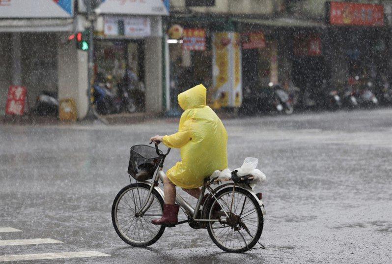 中央氣象局針對八縣市發布大雨特報。聯合報系資料照