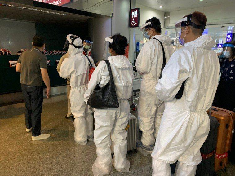 因應近期旅客赴關島需求增加,雄獅旅遊率先展開關島直航佈局,推出五天至22天機加酒...