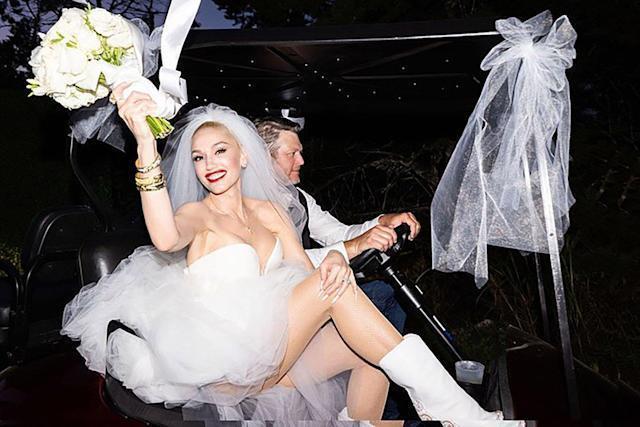 關史蒂芬妮在IG曝光與丈夫布雷克雪爾頓的結婚照。圖/摘自IG