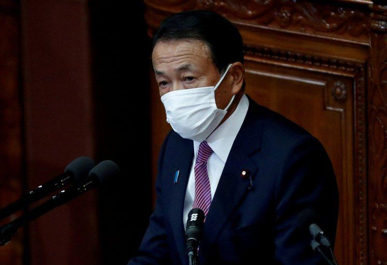日本副相麻生太郎。路透